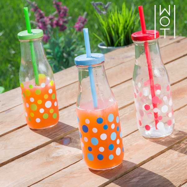 Wagon Trend Polka Dot Bottle with Lid and Straw